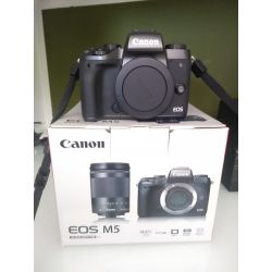 Fotocamera Canon EOS M5 kit 18-150mm Nero *EX-DEMO MENU ENG*