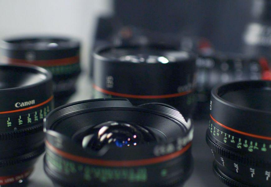 Tutti i vantaggi dei tubi macro e convertitori per obiettivi fotografici
